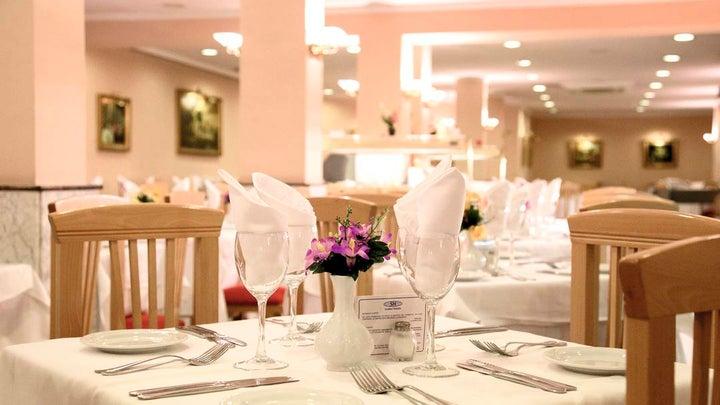 Las Arenas Hotel Image 19