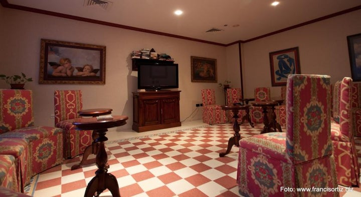 Reveron Plaza Hotel Image 20