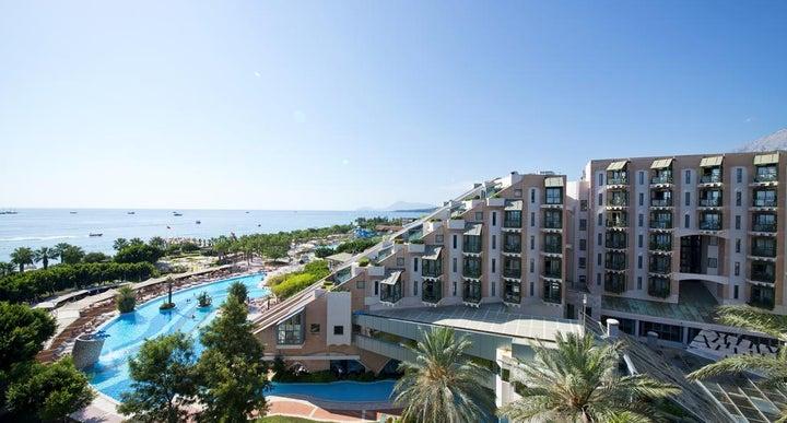 Limak Arcadia Golf Resort in Antalya - Room Deals, Photos ...