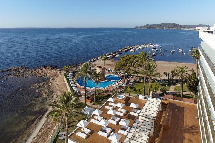 Torre Del Mar Hotel Image 1
