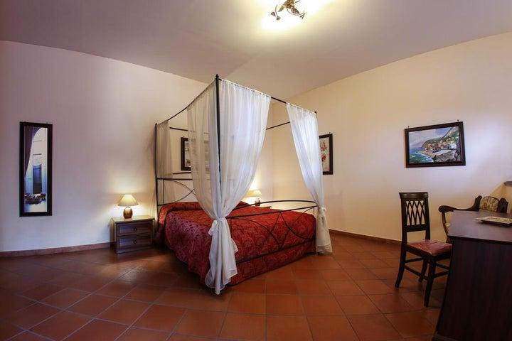 Grand Hotel Capodimonte Image 30