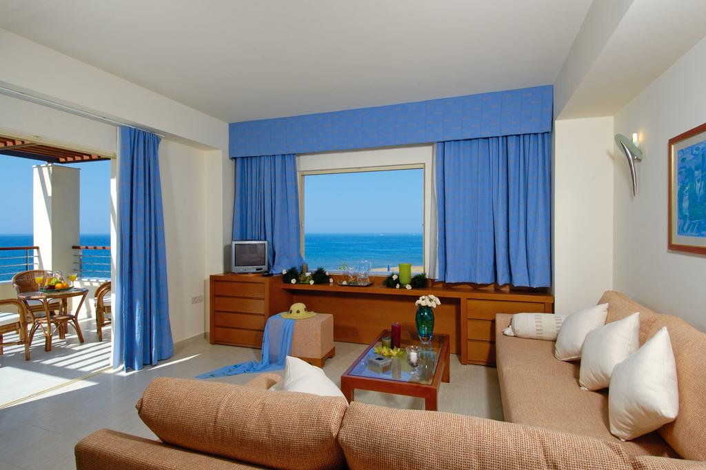 Cretan Dream Royal And Luxury Suites In Stalos Crete Holidays From 391pp Loveholidays