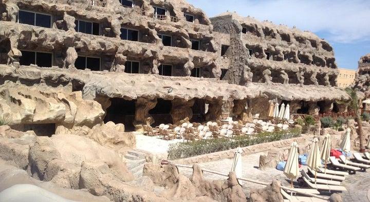 Caves Beach Resort Hurghada Image 8