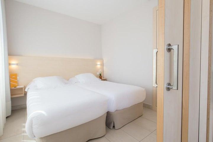 Atenea Park-Suites Image 11