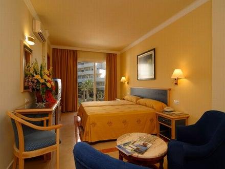 Las Arenas Hotel Image 24