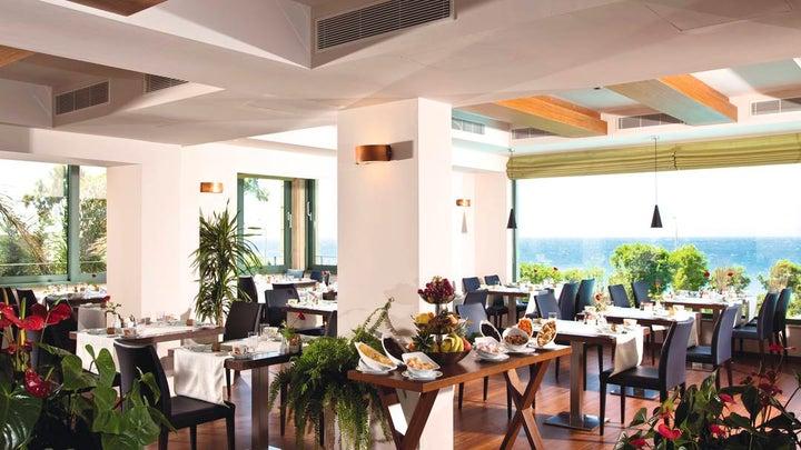 Amathus Beach Hotel Image 11