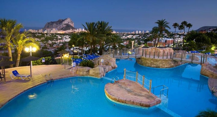 Ar imperial park in calpe spain holidays from 249pp loveholidays for Swimming pool repairs costa blanca