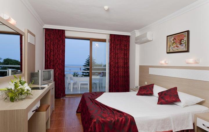Royal Ideal Beach Hotel Image 5