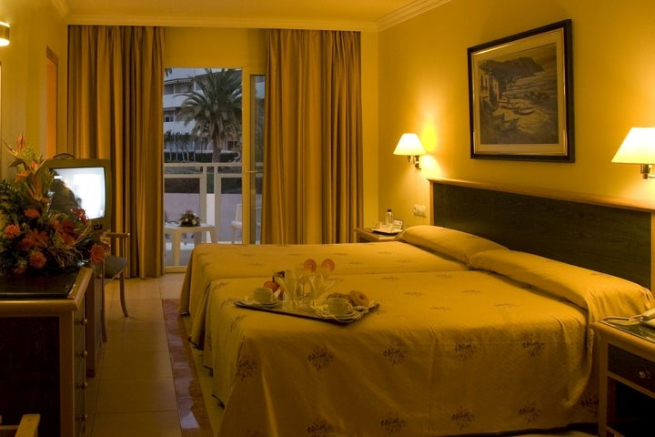 Las Arenas Hotel Image 37