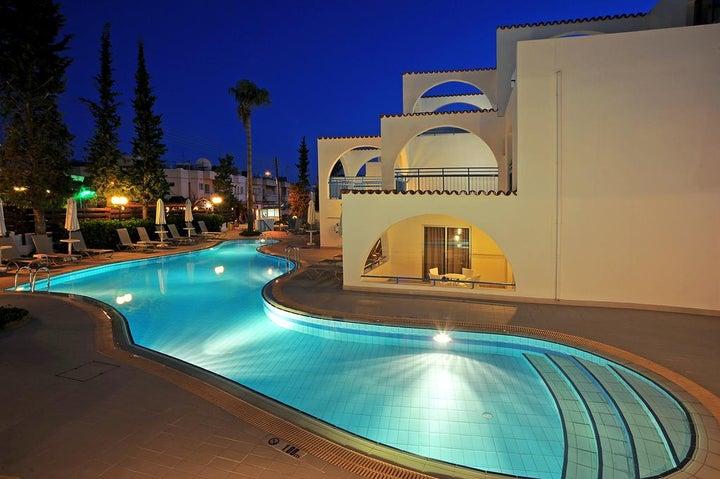 Petrosana Hotel Apartments Image 7