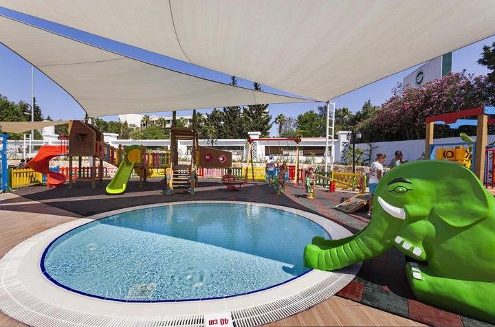 Karmir Resort And Spa Image 22