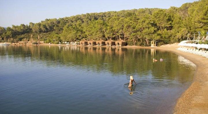 Crystal Green Bay Image 37