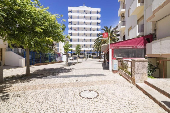 Hotel Apartment Rosamar I in Armacao De Pera, Algarve, Portugal