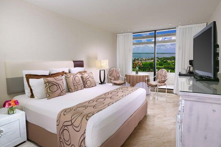 Grand Oasis Cancun Image 2