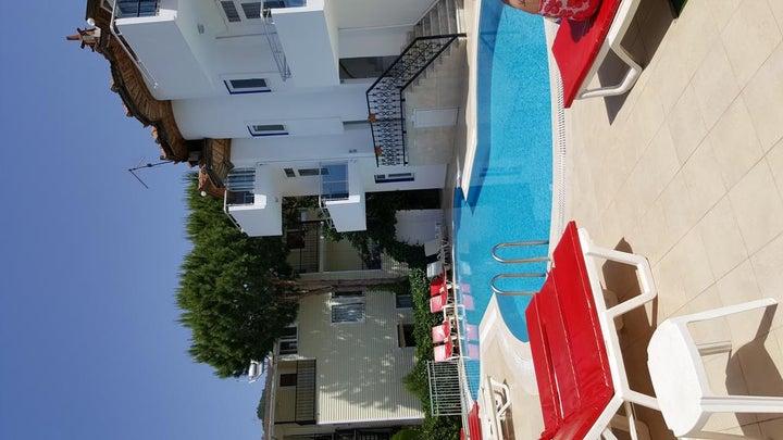 Tolan Apartments Image 6