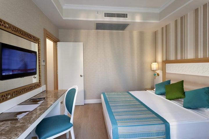 Karmir Resort And Spa Image 10