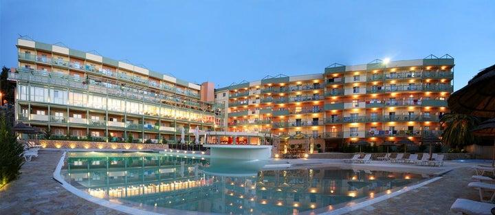 Ariti Grand Hotel Image 30