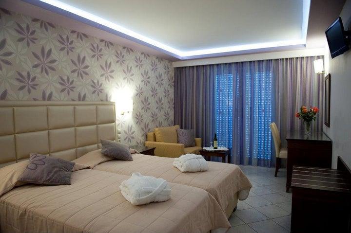 Tsilivi Beach Hotel and Suites in Tsilivi, Zante, Greek Islands