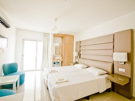 Tsokkos Holiday Apartments Image 6