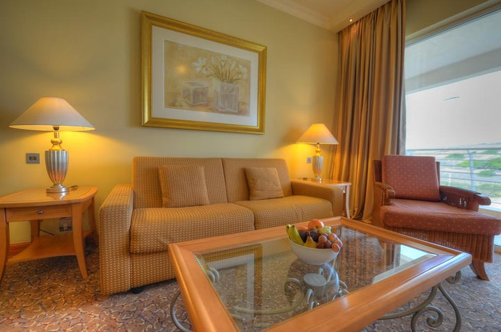 Radisson Blu Golden Sands Resort Image 7