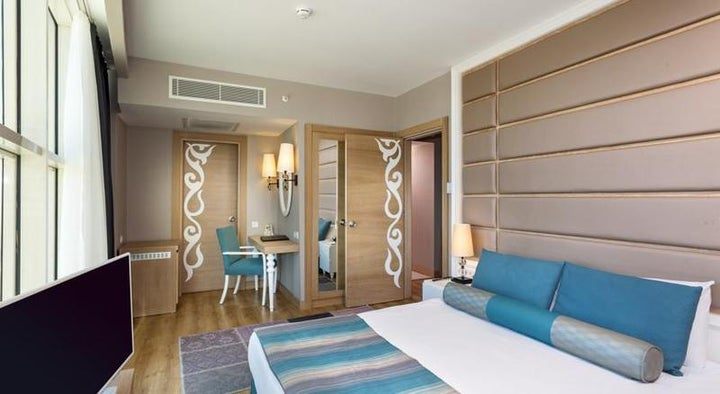 Sherwood Breezes Resort Image 5