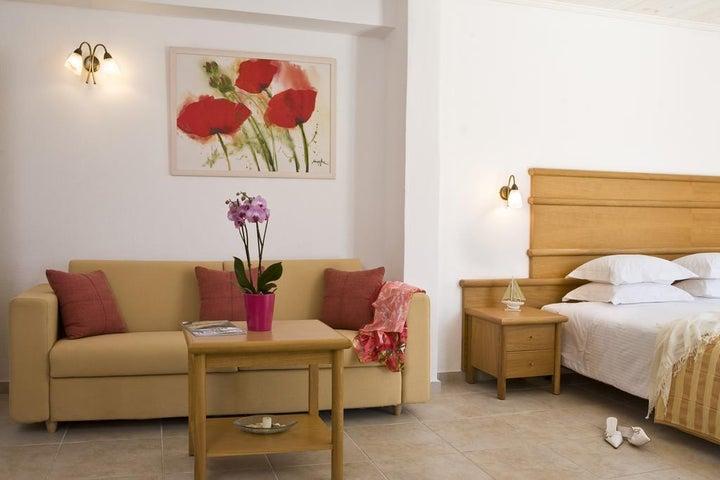 Yiannaki Hotel Image 10