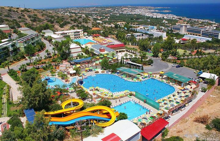 Aqua Sun Village Image 1
