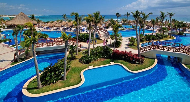 Luxury bahia principe akumal in akumal mexico holidays for Hotel luxury akumal