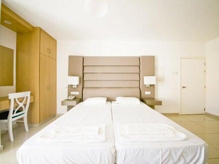 Tsokkos Holiday Apartments Image 9