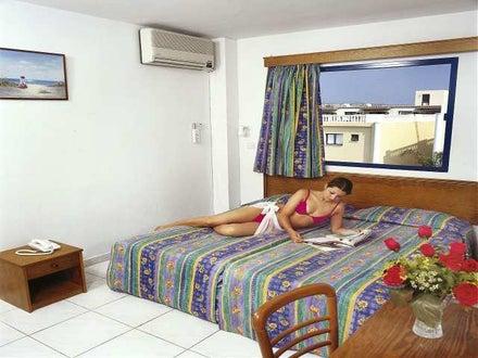 Tsokkos Holiday Apartments Image 5