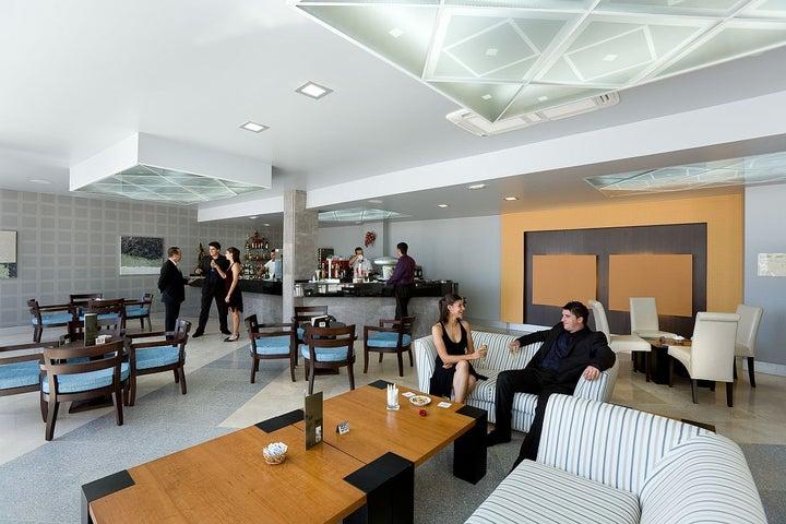Aguamarina Golf Apartments Image 9