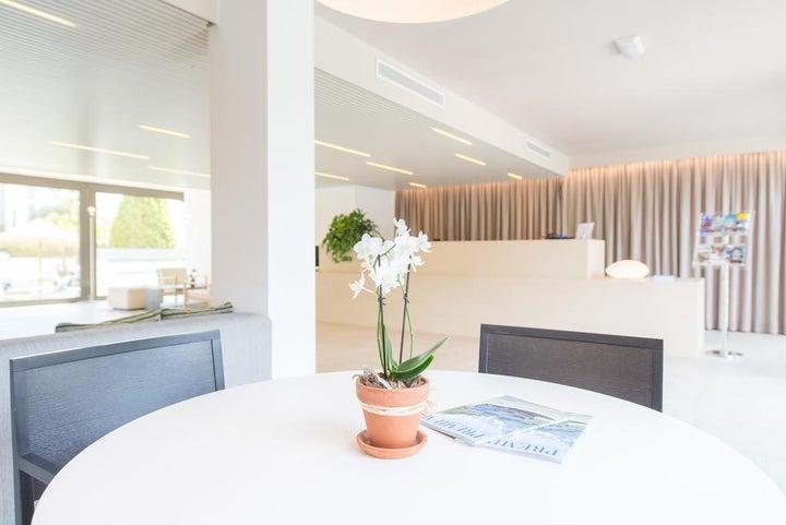 Atenea Park-Suites Image 6