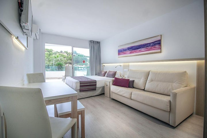 Ola Apartments Bouganvillia Image 5