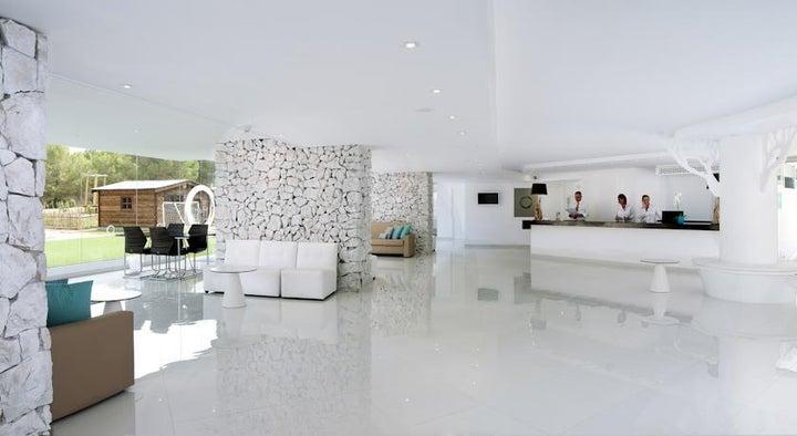 Fergus Cala Blanca Suites (Sta.Ponsa) Image 22