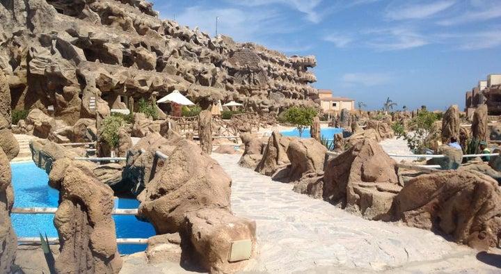 Caves Beach Resort Hurghada Image 18