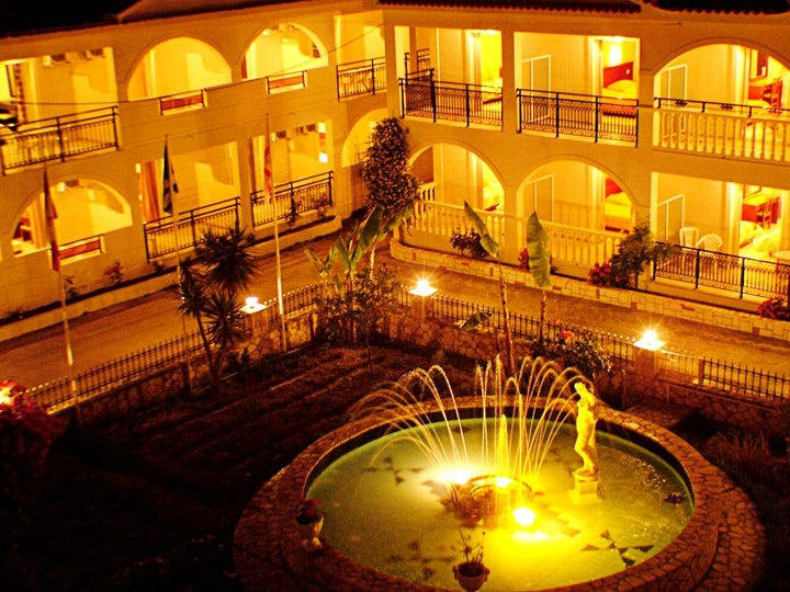 Canadian Hotel Image 20