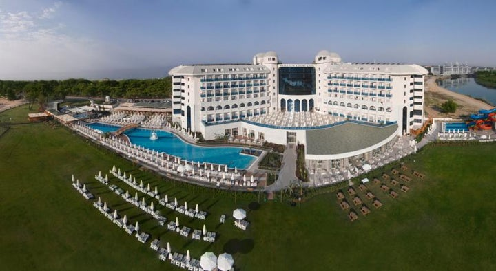 Water Side Resort And Spa Image 17