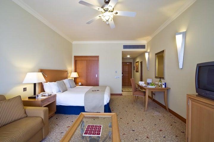 Radisson Blu Golden Sands Resort Image 4