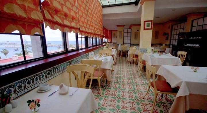 Reveron Plaza Hotel Image 16
