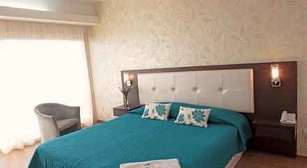 Poseidonia Beach Hotel