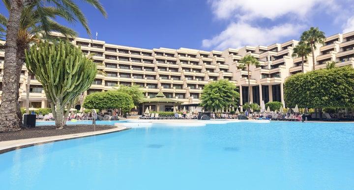 Occidental lanzarote playa in costa teguise lanzarote for Design hotel lanzarote