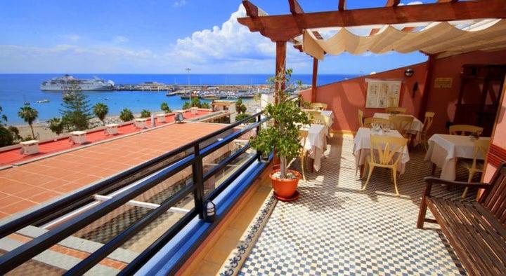 Reveron Plaza Hotel Image 14