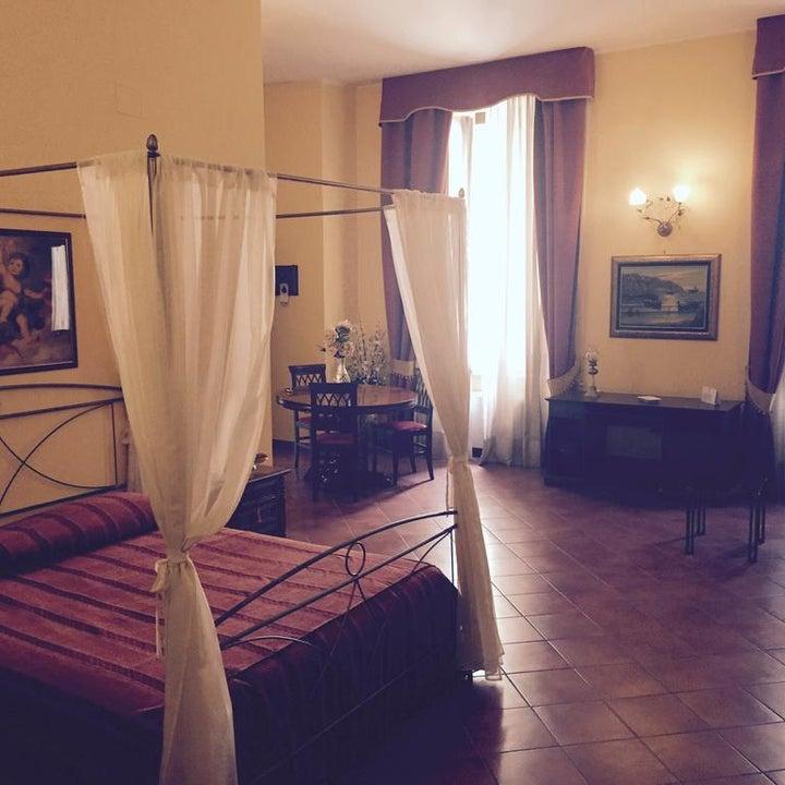 Grand Hotel Capodimonte Image 4
