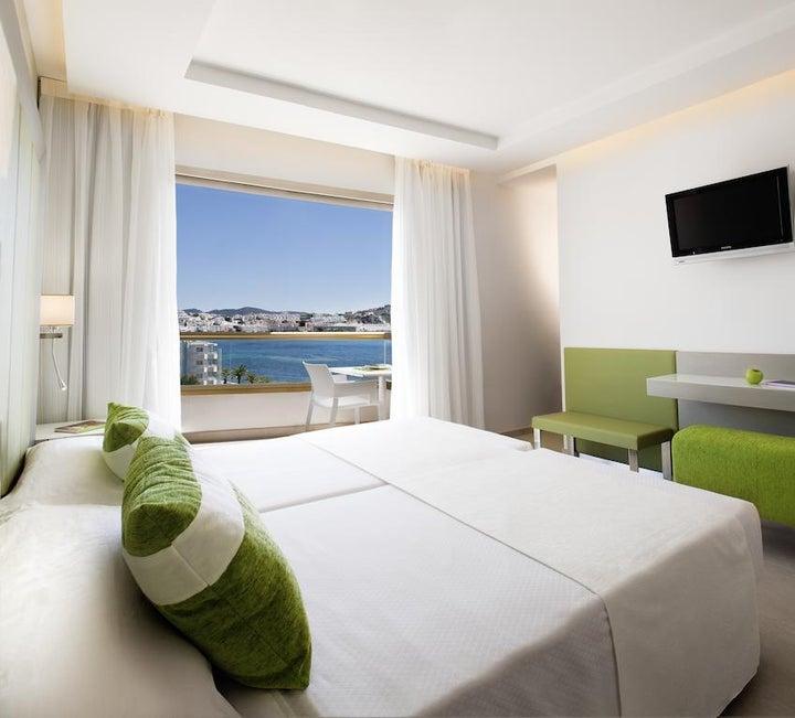 Torre Del Mar Hotel Image 7