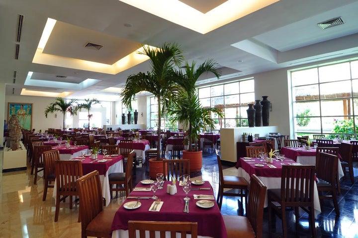 Grand Oasis Cancun Image 8