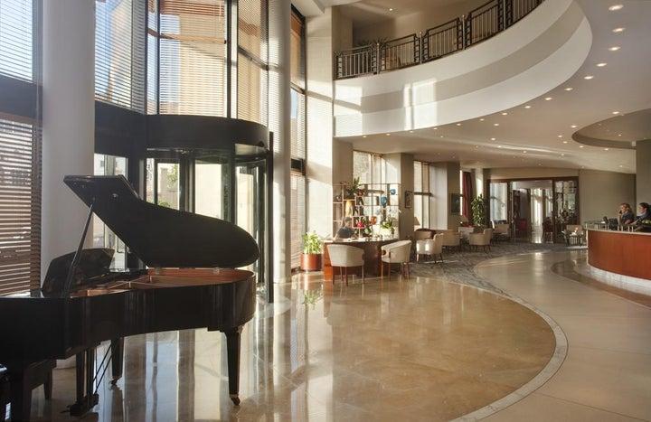 Marina Hotel Corinthia Beach Resort Image 13