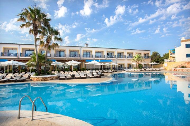 Mar Hotels Paradise Club & Spa in Cala'n Bosch, Menorca, Balearic Islands