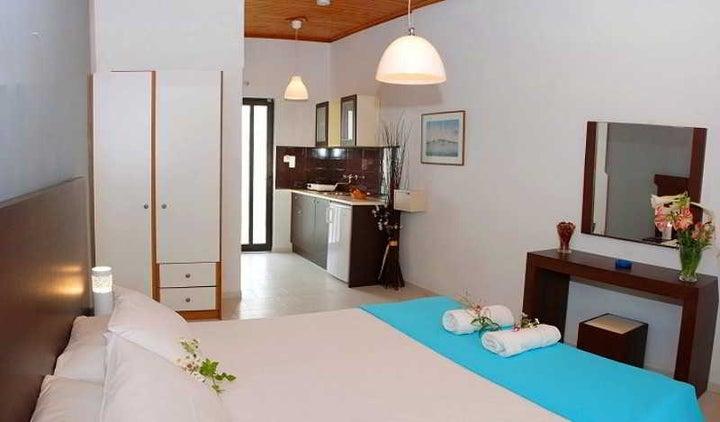 Eleni Garden Studios Image 6
