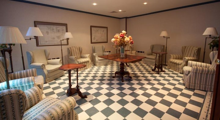 Reveron Plaza Hotel Image 21