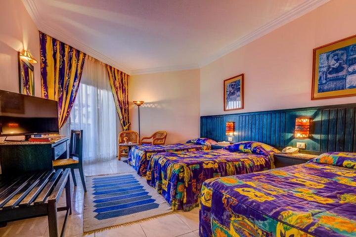 Palm Beach Resort Image 16
